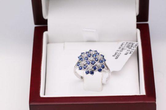 Dalia white blue