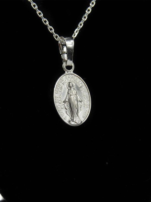 Medailón Panna Mária s nápisom